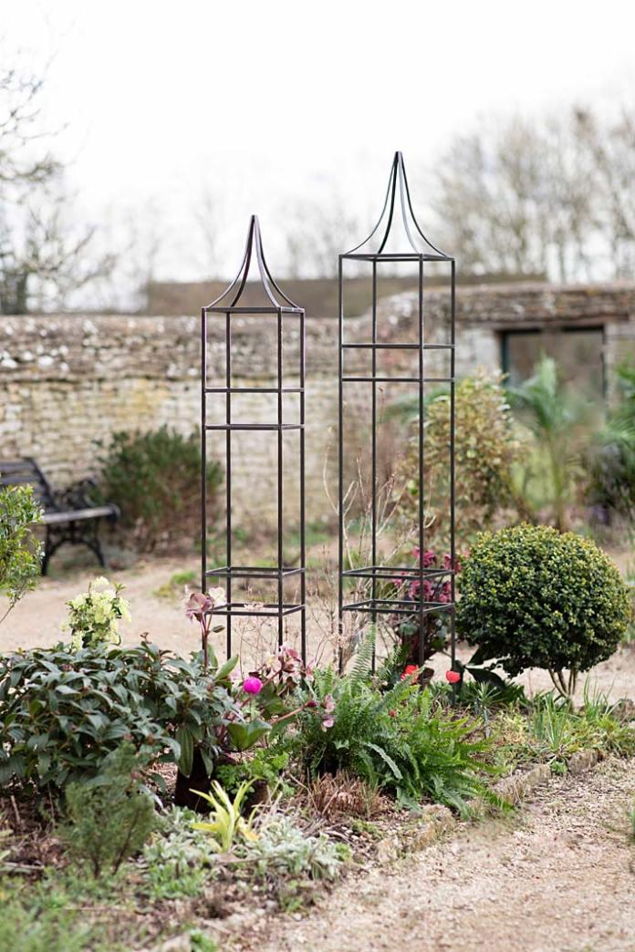 Dekoracyjne podpórki ogrodowe Charlbury Obelis z Garden Trading