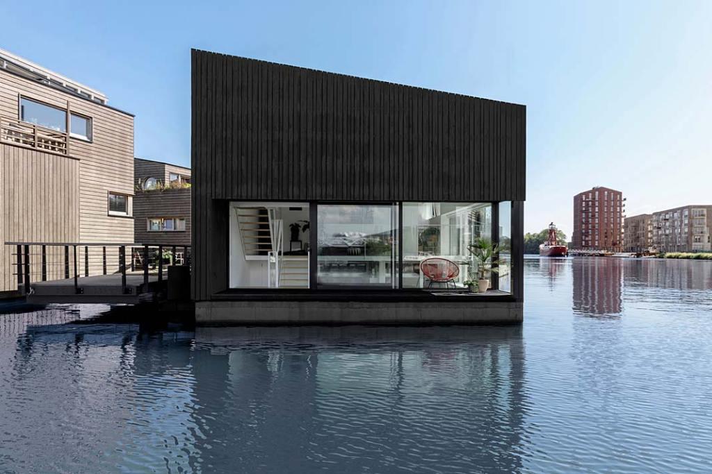 Energooszczędny pływający dom w Amsterdamie. Projekt i29 interior architects
