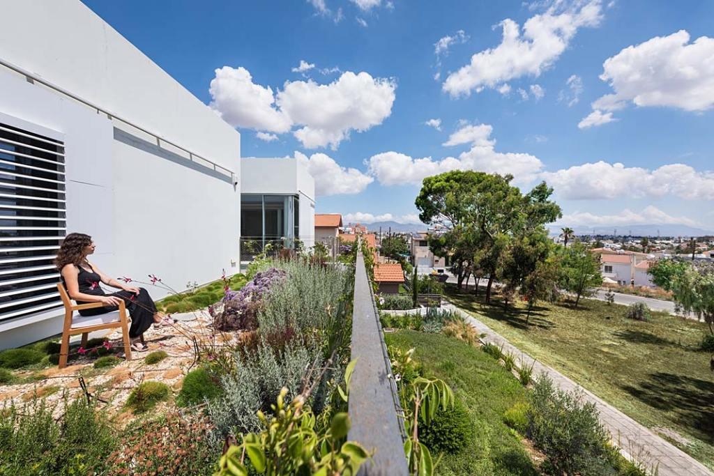 Garden House, górny taras. Projekt Christos Pavlou Architecture