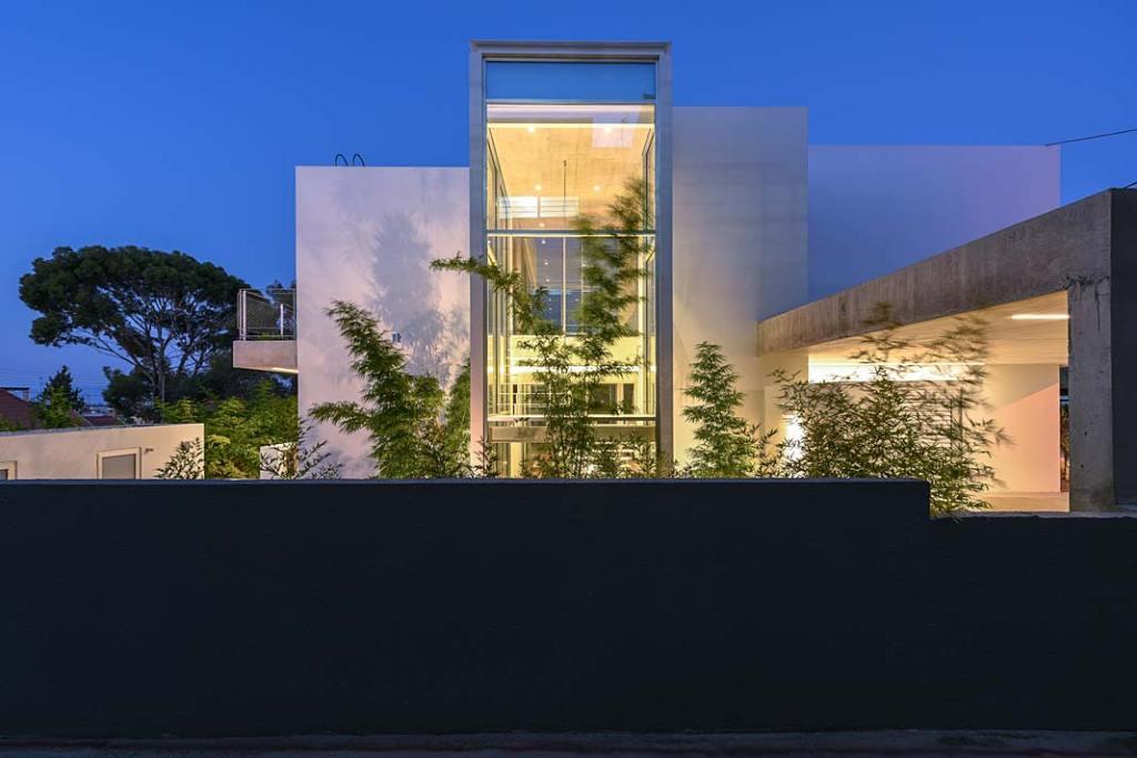 Garden House, dom w symbiozie z ogrodem na Cyprze. Projekt Christos Pavlou Architecture