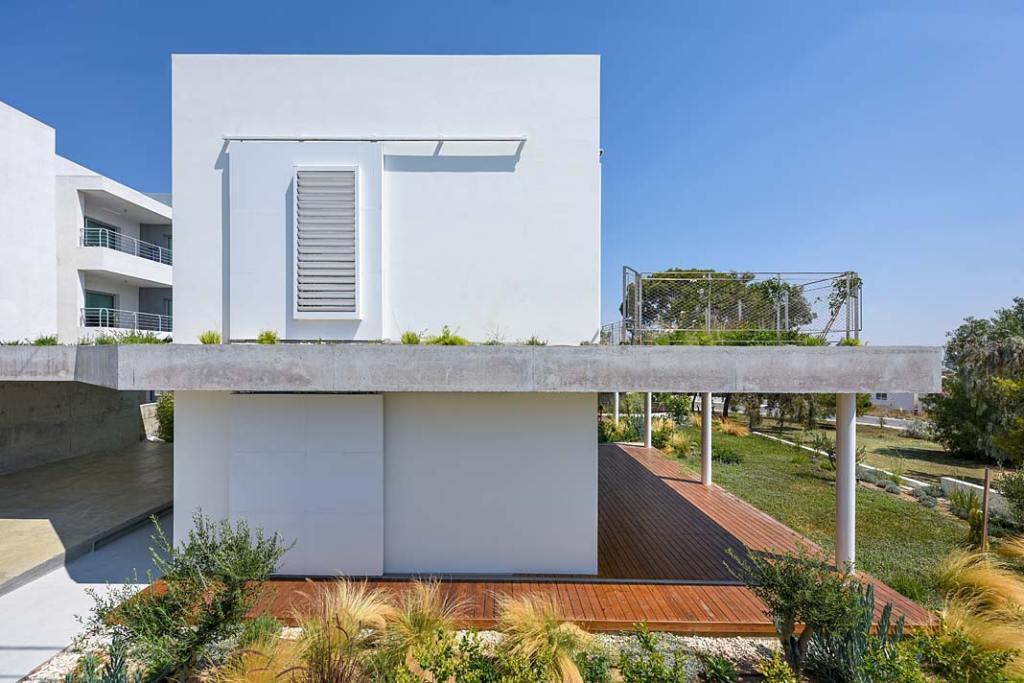 Garden House, dom w symbiozie z ogrodem w Nikozji. Projekt Christos Pavlou Architecture
