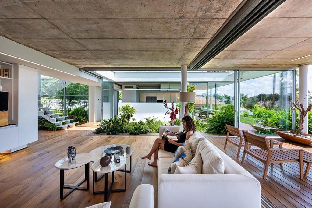 Garden House, w salonie wypoczywa się jak w ogrodzie. Projekt Christos Pavlou Architecture