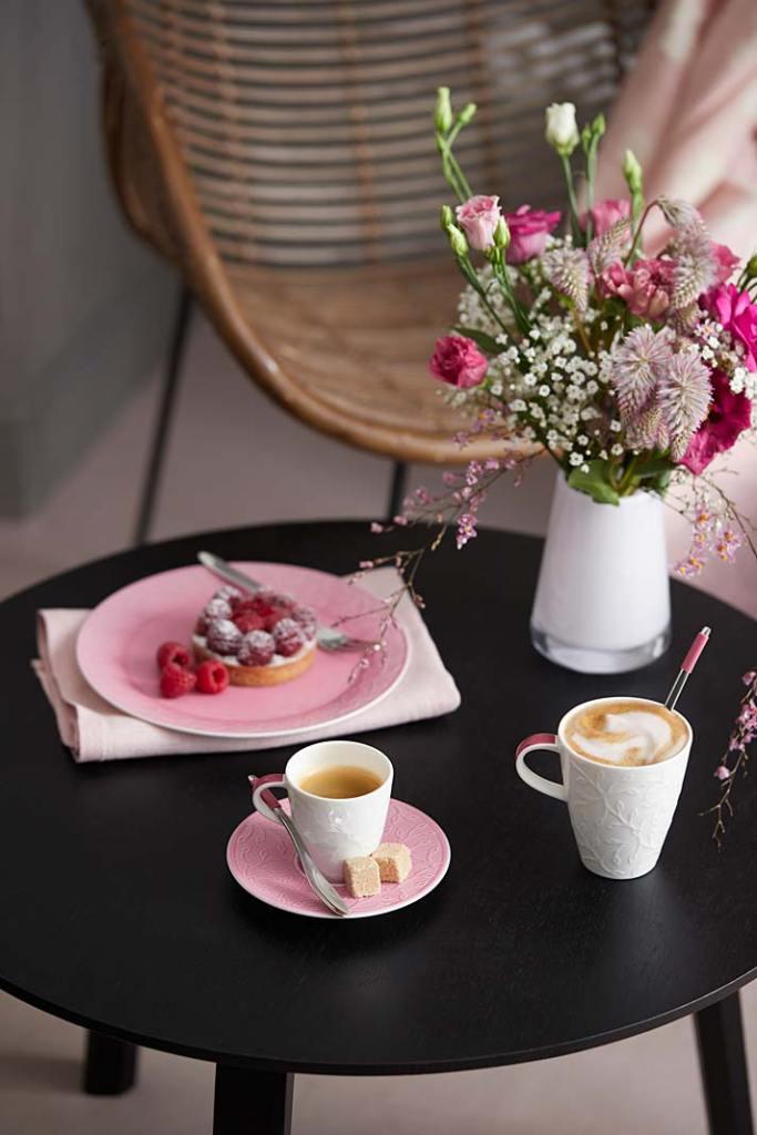 Kącik kawowy na tarasie. Serwis Caffe Club od Villeroy&Boch