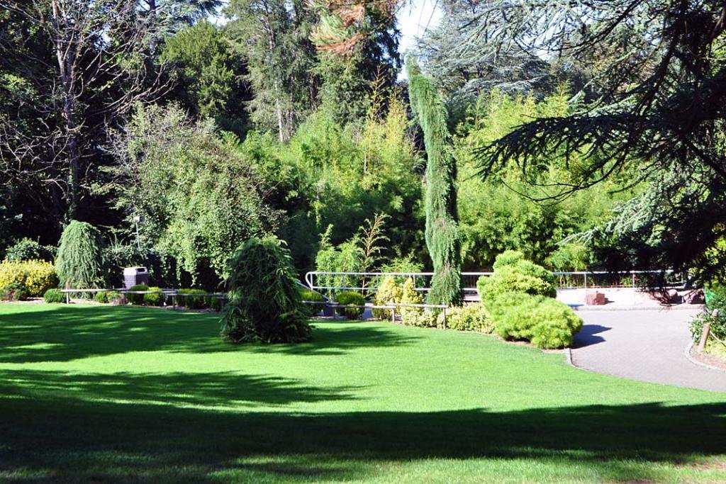 Ogrody Miluzy. Część botaniczna ogrodu zoobotanicznego