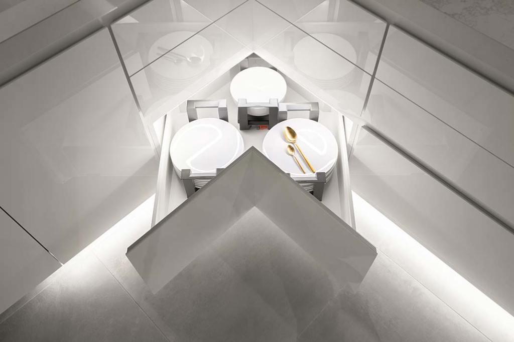 Narożna szuflada głęboka na naczynia i garnki, antypoślizgowe dno i organizer wewnętrzny