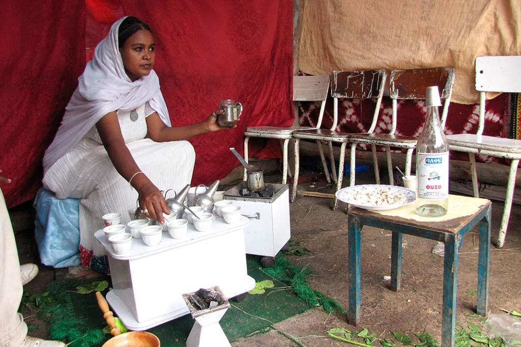 Pokazowe parzenie kawy poetiopsku podczas święta