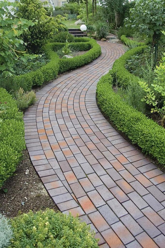 Pomysł na ogród, ścieżka z bruku klinkierowego Vandersanden Calau 45