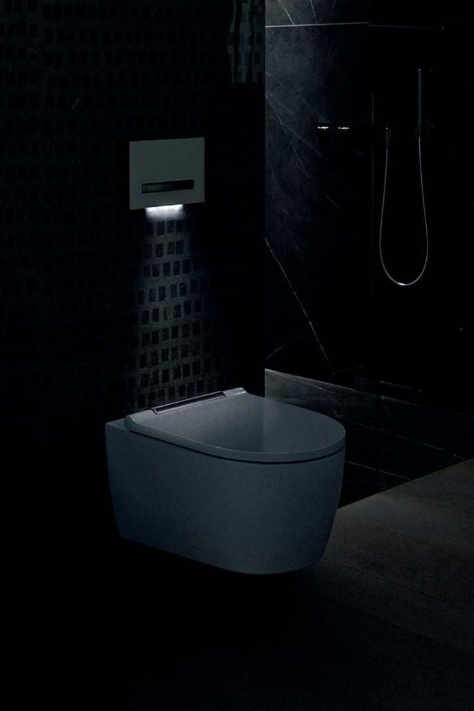 Przycisk uruchamiający spłukiwanie toalety Geberit ze światłem orientacyjnym LED