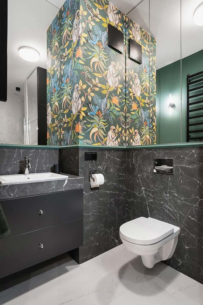 Sposób na małą łazienkę - lustro. Projekt WZ Studio