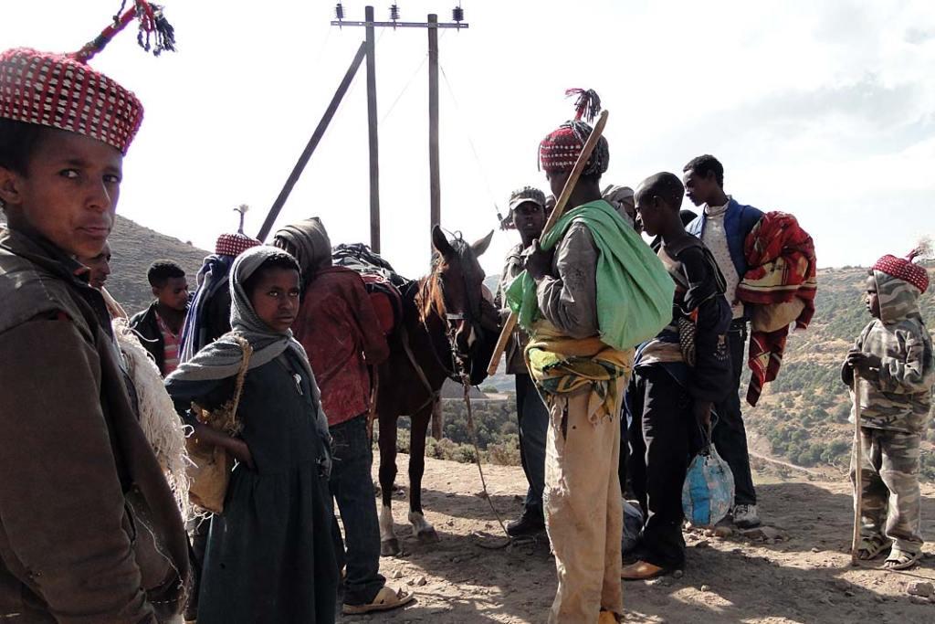 W niektórych miejscach Semien miejscowi wypożyczają turystom konie lub muły