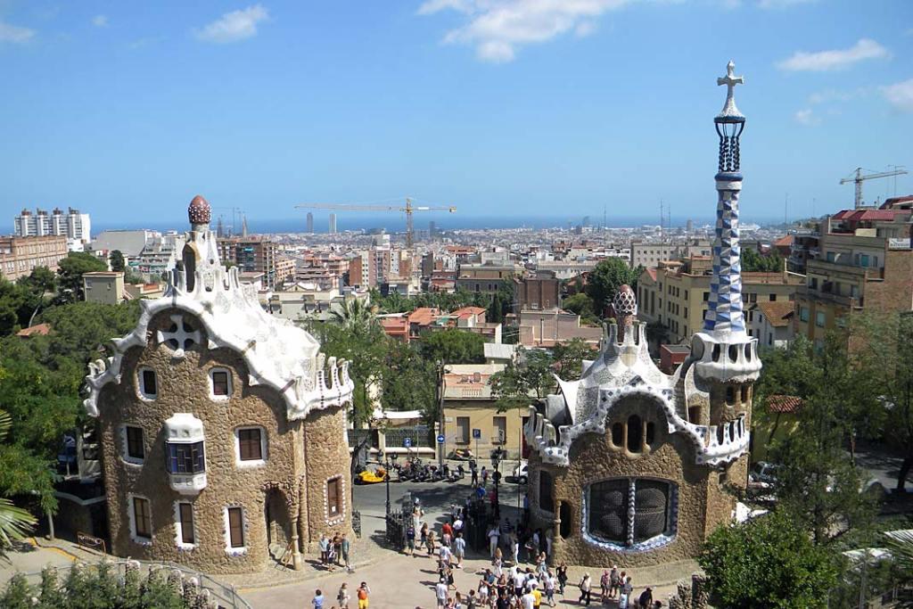 Atrakcje turystyczne Barcelony. Wejście do Parku Guell