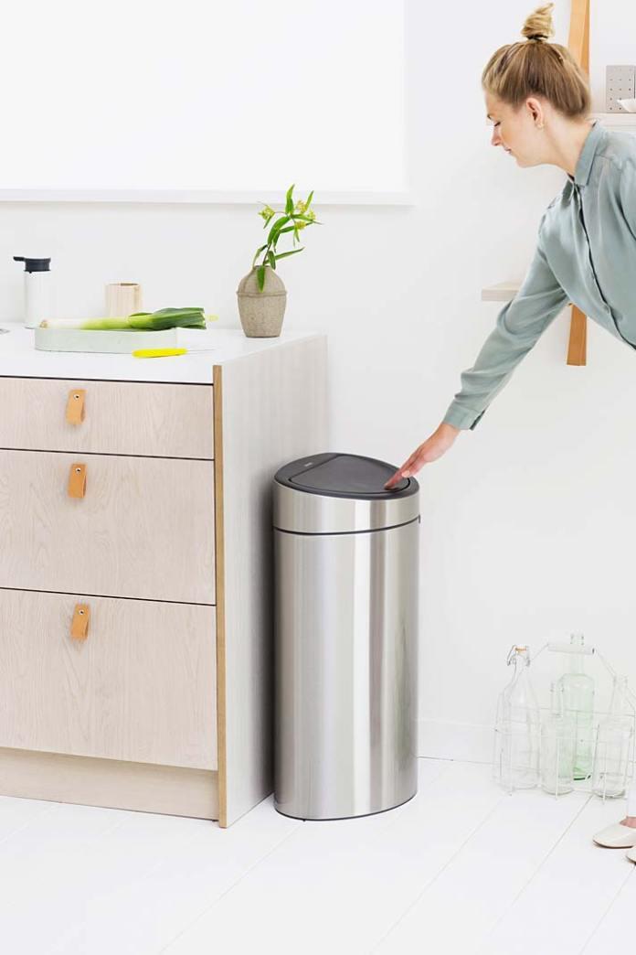 Wolnosotjący kosz na śmieci Brabantia Touch Bin