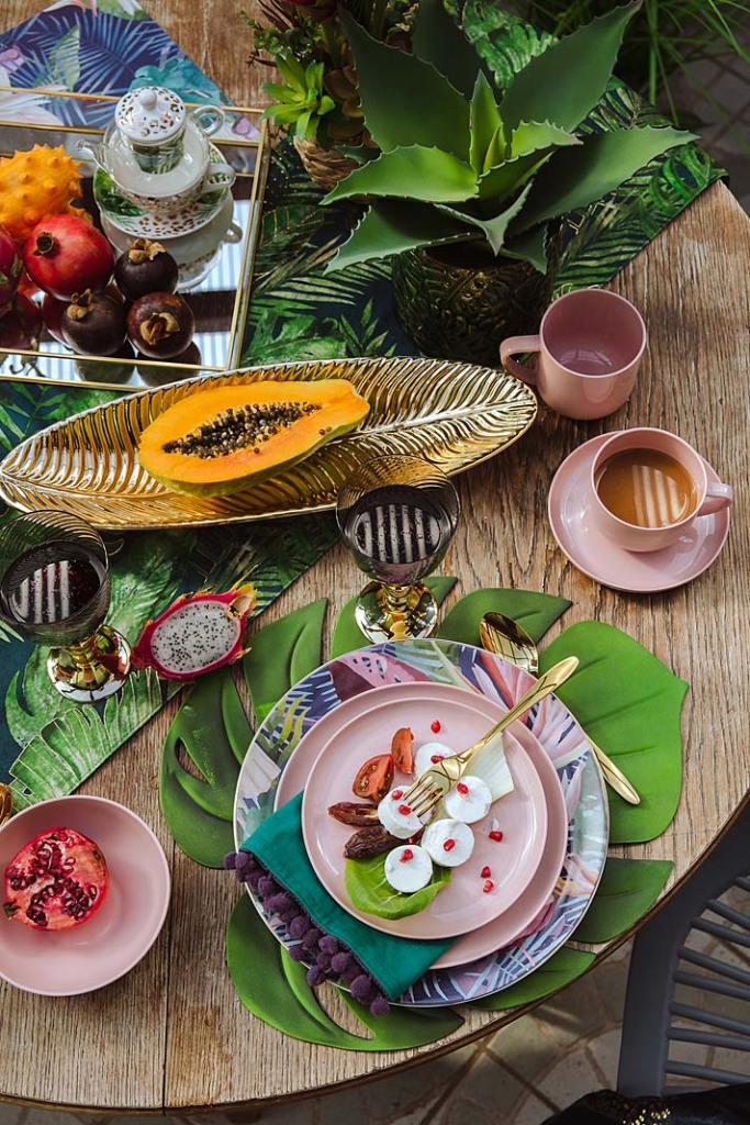 Modny stół latem. Zastawa stołowa Garasu od home&you