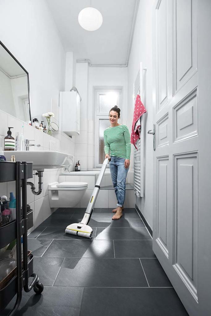 Bezprzewodowy mop elektryczny FC3 Karcher posprząta podłogę w łazience