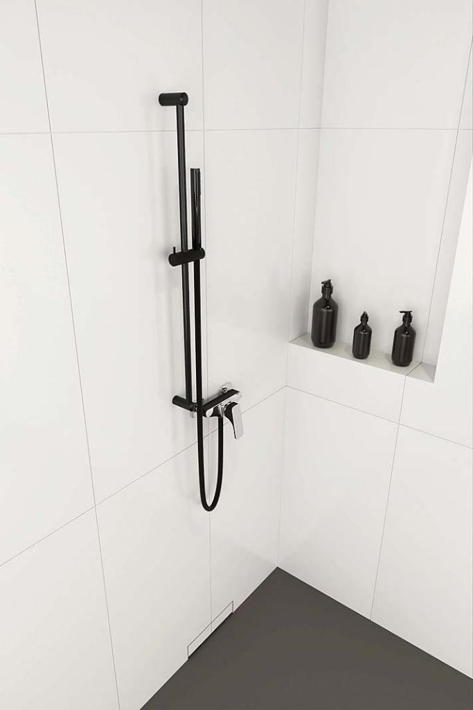 Czerń w łazience, zestaw natryskowy Karbon Deante