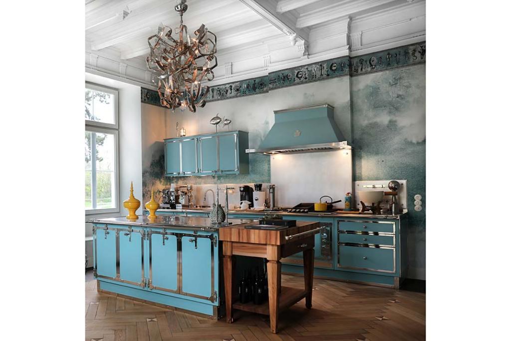 Kuchnia w stylu klasycznym, meble Pastel Turquoise&Satin Nickel od Officine Gullo