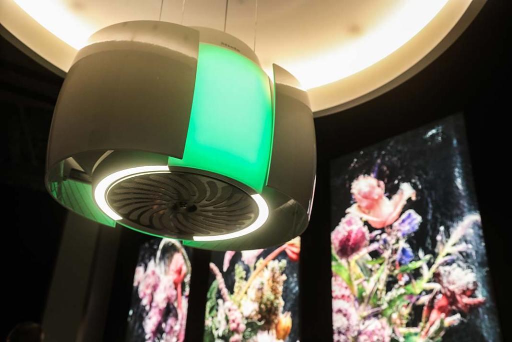 Kuchnia w stylu nowoczesnym, wyciąg Aura 4-0 Ambient marki Miele