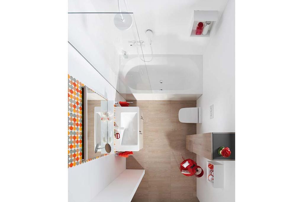 Łazienka rodzinna, aranżacja z meblami Eqio Burgbad