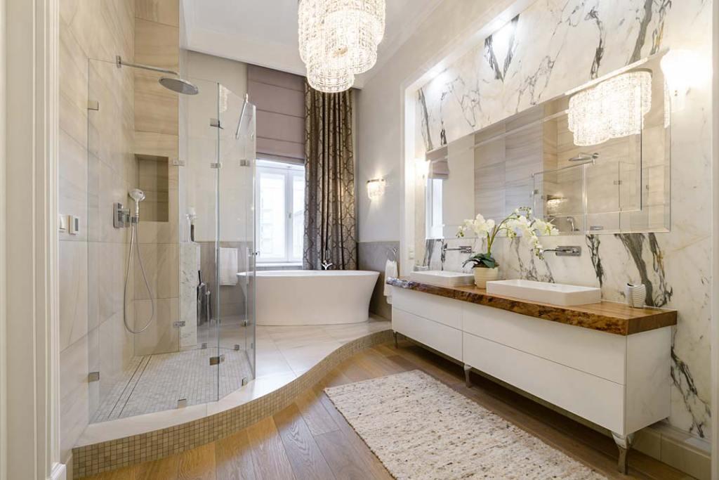Łazienka z dwiema umywalkami i szafką Classic firmy AKAN