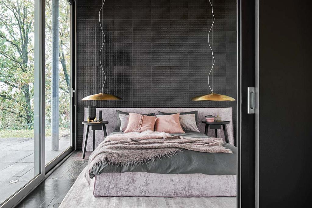 Łóżko Ghost marki Gervasoni, projekt Paola Navone
