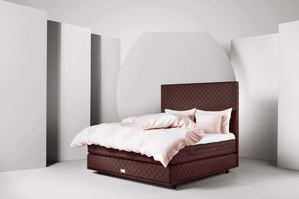 Łóżko Marwari z oferty Hastens