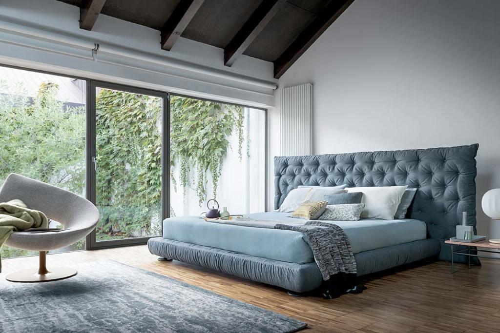 Łóżko do sypialni, model Full Moon marki Bonaldo