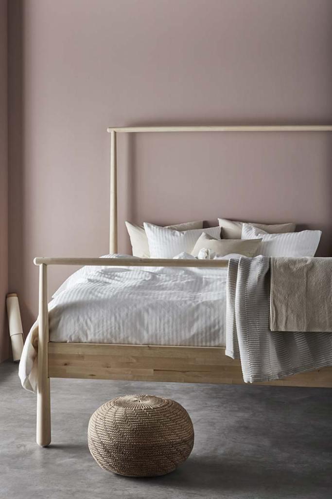 Łóżko do sypialni, model Gjöra od IKEA