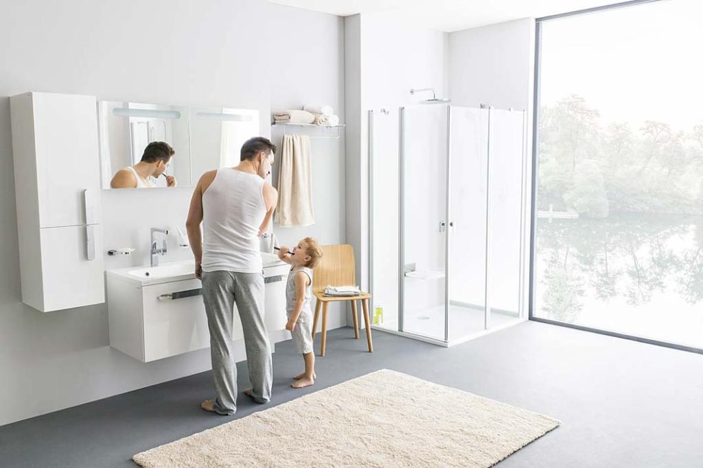 Podwójna umywalka z szafką Ravak Chrome w łazience dla rodziny