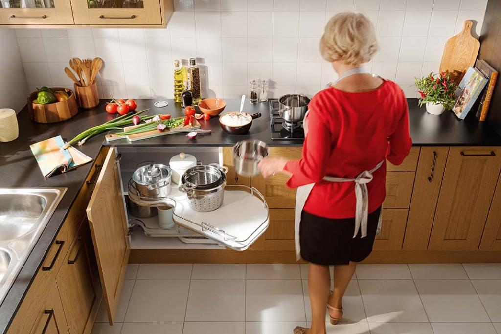 Narożnik kuchenny - w szafce półka Nuvola marki Hafele