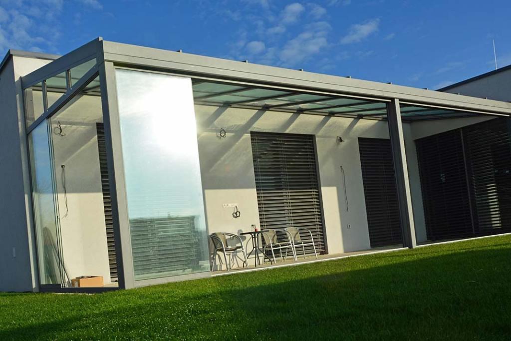 System Slide Glass jest konstrukcją aluminiową