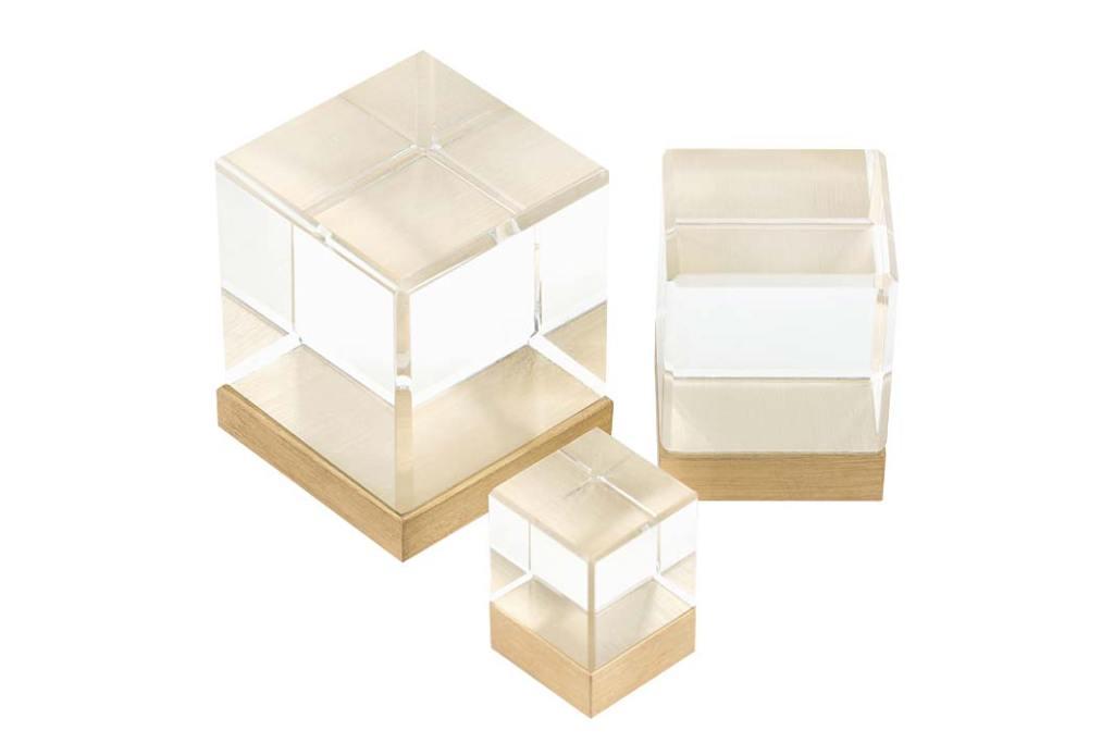 Szklane uchwyty meblowe Glass Cube marki PAP Deco