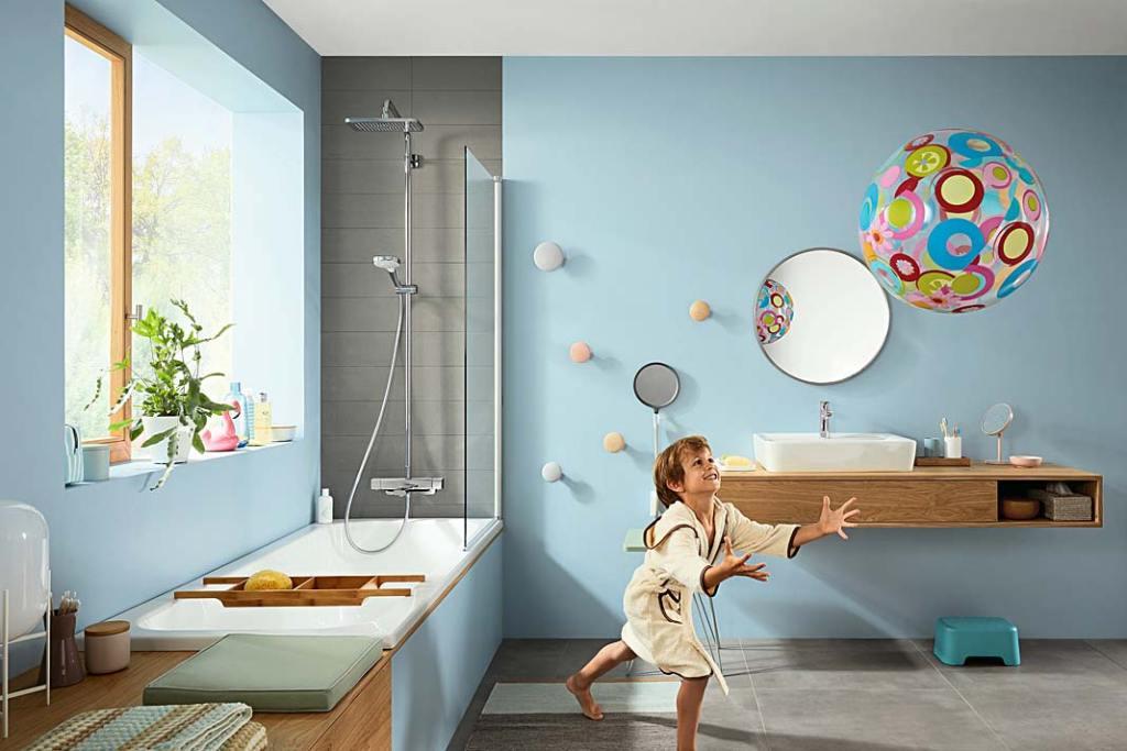 Umywalka w łazience dla dzieci, aranżacja marki Hansgrohe