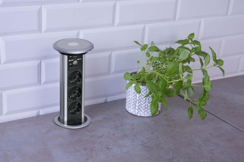 Gniazdka elektryczne w kuchni. Chowane gniazdo meblowe LIFT BOX USB z oferty Design Light
