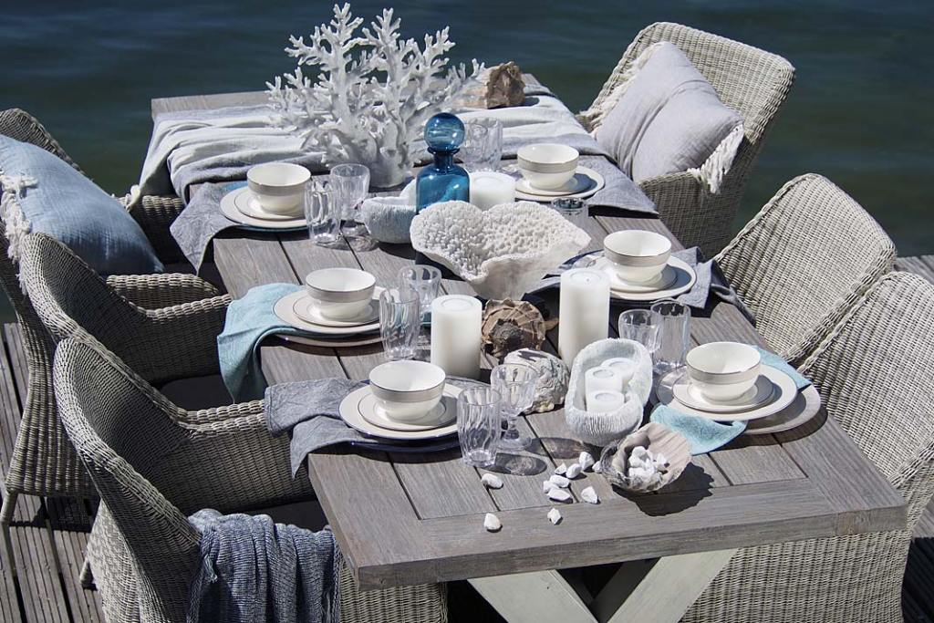 Jadalnia w klimacie nadmorskiej tawerny, stół Marina od Miloo Home