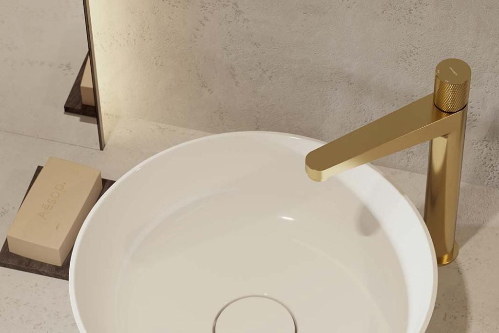 Ekskluzywna łazienka - bateria umywalkowa OMNIRES CONTOUR w kolorze szczotkowanego złota