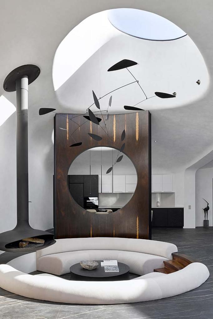 Dom zaprojetowany przez Nico Architekt wyposażony w świetlik dachowy
